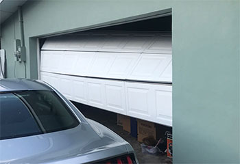 Garage Door Off Track | Lake Elsinore CA